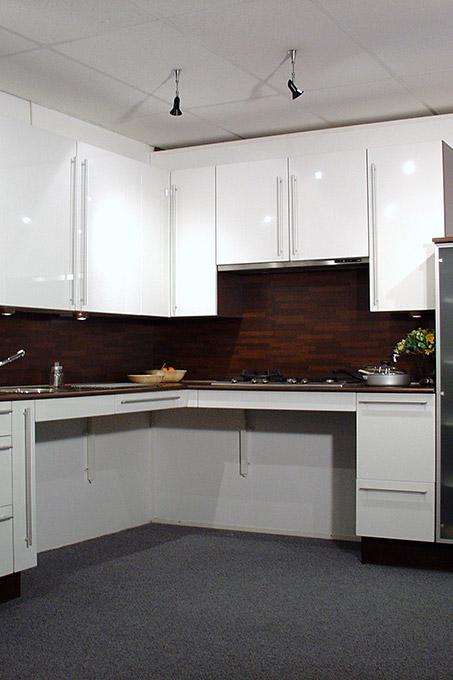 Aangepaste keukens - Nastelbare keuken